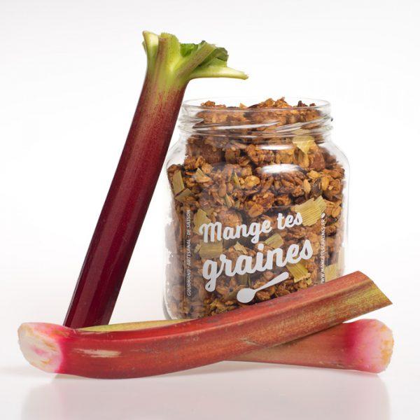 Bocal de granola rhubarbe