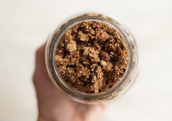 Bocal de granola spéculos prune