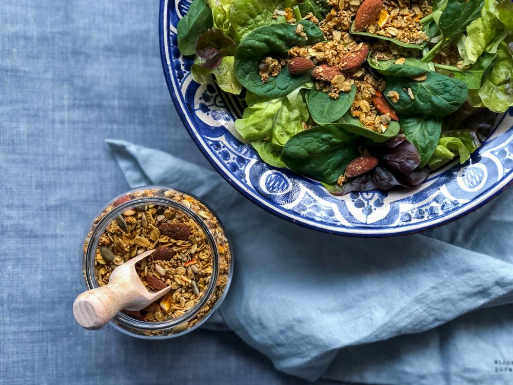 Topping de graines fenouil orange et salade verte